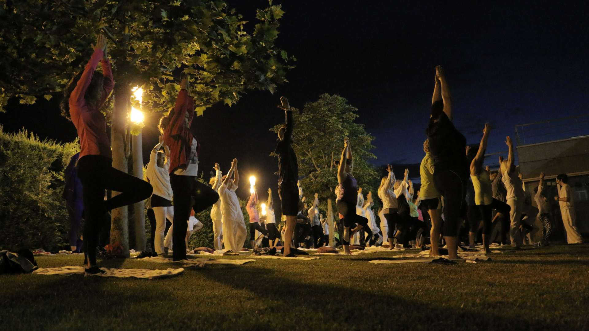 Noche de yoga